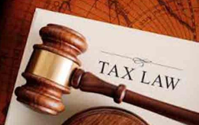 Ilustrasi tax law