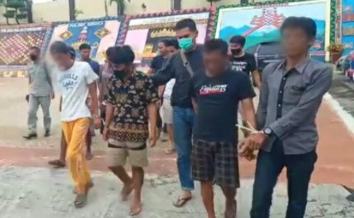 Delapan tersangka narkoba berhasil diringkus satnarkoba Polres Tanggamus, Minggu (3/4/2021) - foto sumantri