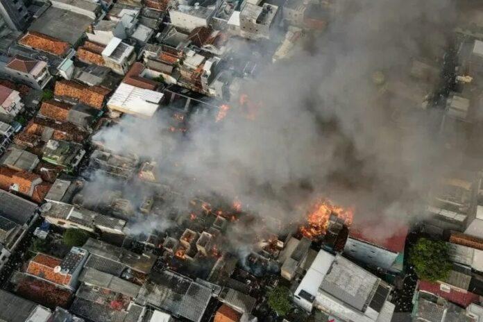 Kebakaran di Tamansari